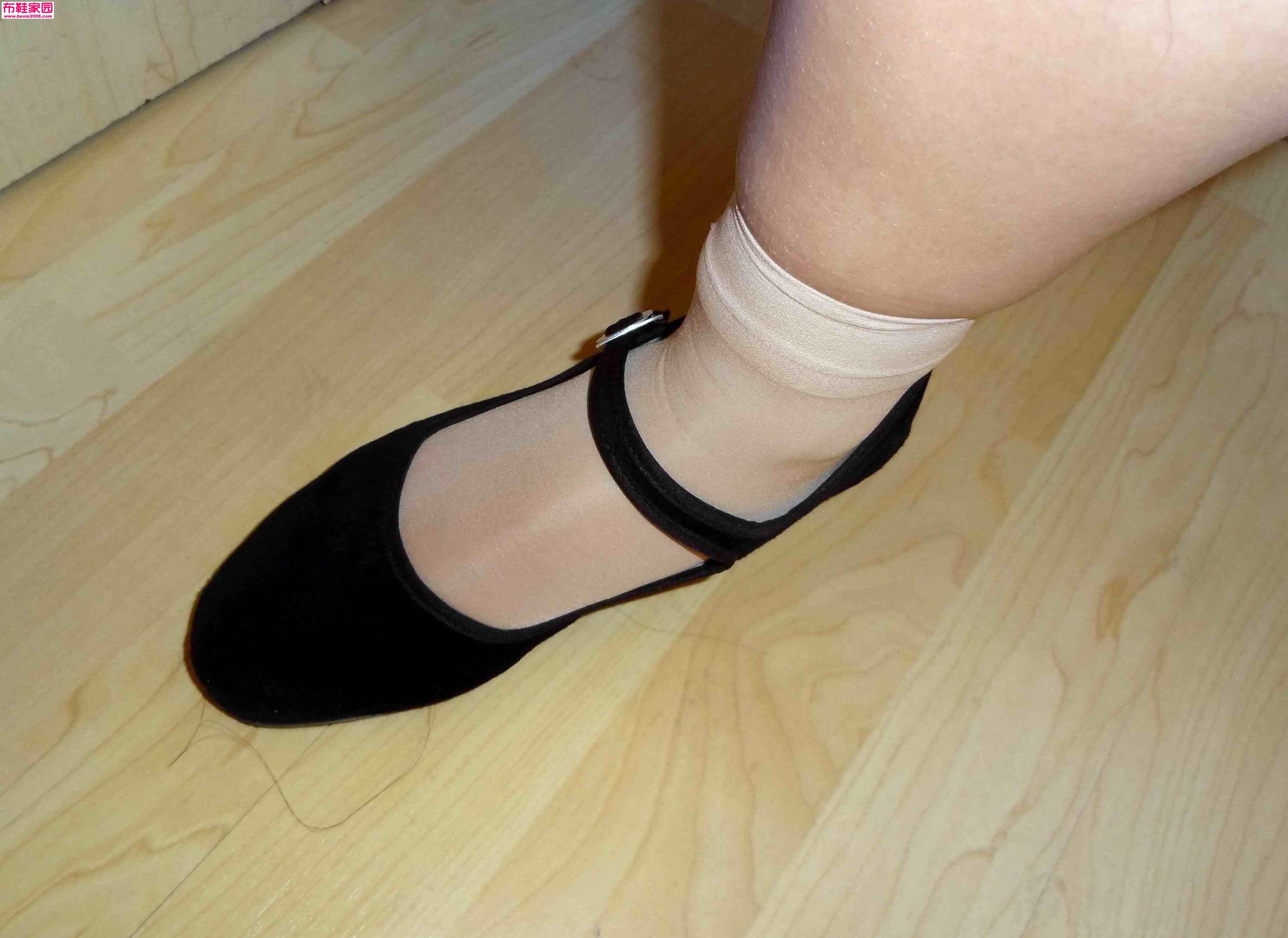 玩旧的高跟_玩布鞋家园高清大图-绒面高跟布鞋射视频,布鞋家园大全集00932 ...