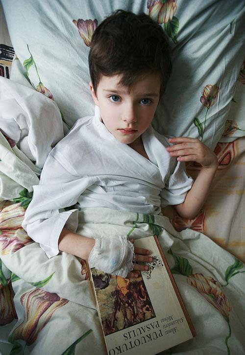 http://b.hiphotos.baidu.com/zhidao/pic/item/a8014c086e061d9513b305a87bf40ad163d9caac.jpg_求这张外国小男孩的原图,清晰一点,谢谢各位!麻烦找下原图