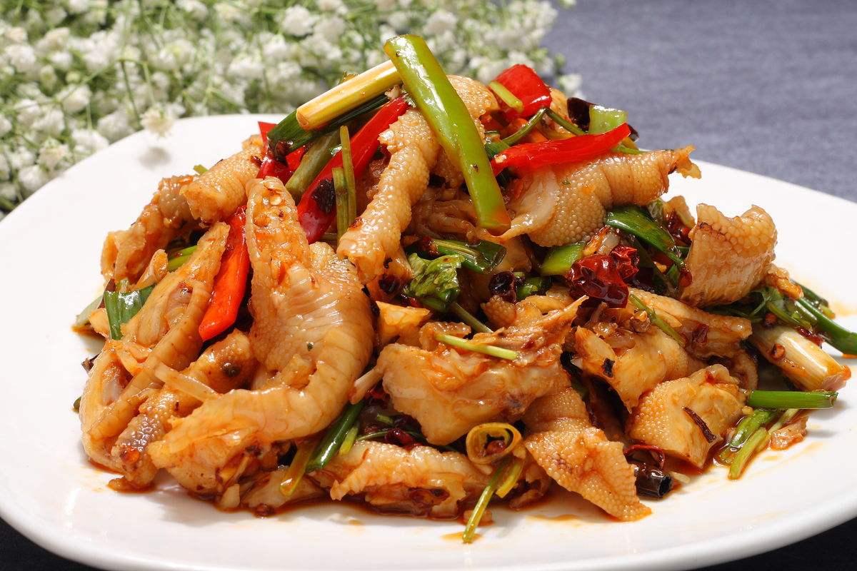小米辣椒,蒜,姜切成小段,八角掰成小瓣,熗鍋用圖片