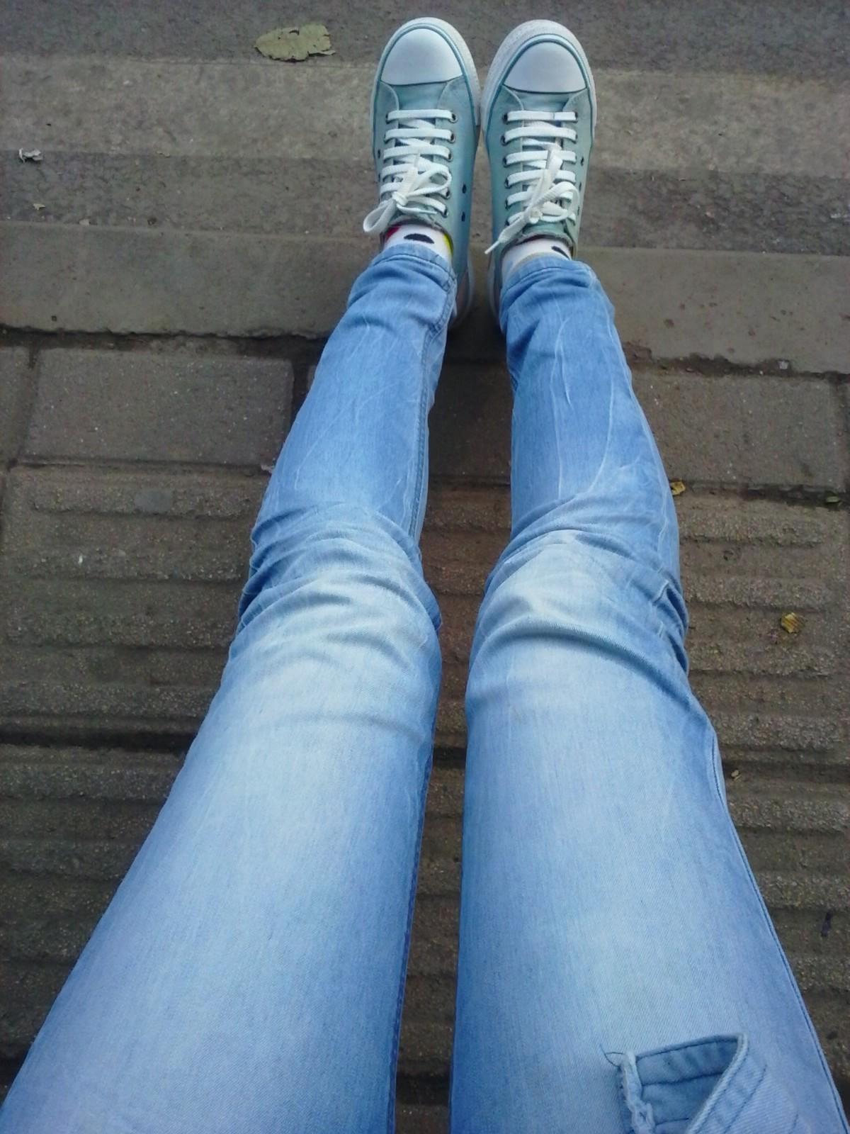 正常女生腿型_我16岁,请问我的腿正常吗?我总觉得小腿越来越弯了。(图片 ...