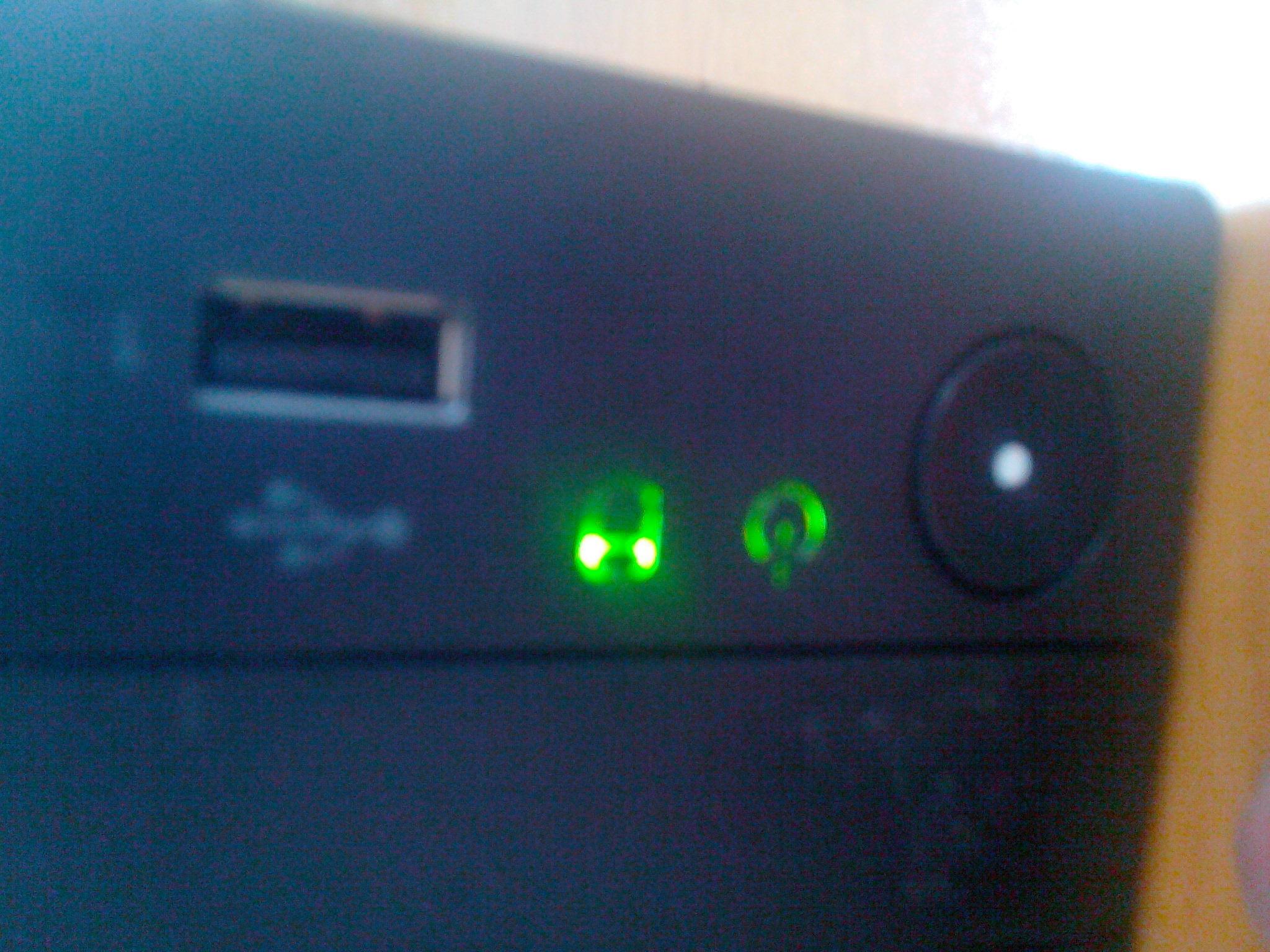 类似联想_联想电脑小主机箱电源指示灯旁边的圆柱形指示灯是什么意思 为什么它