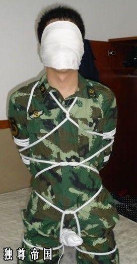 军警被虐_军哥哥被虐玩,军人的尊严就这样被践踏_百度知道