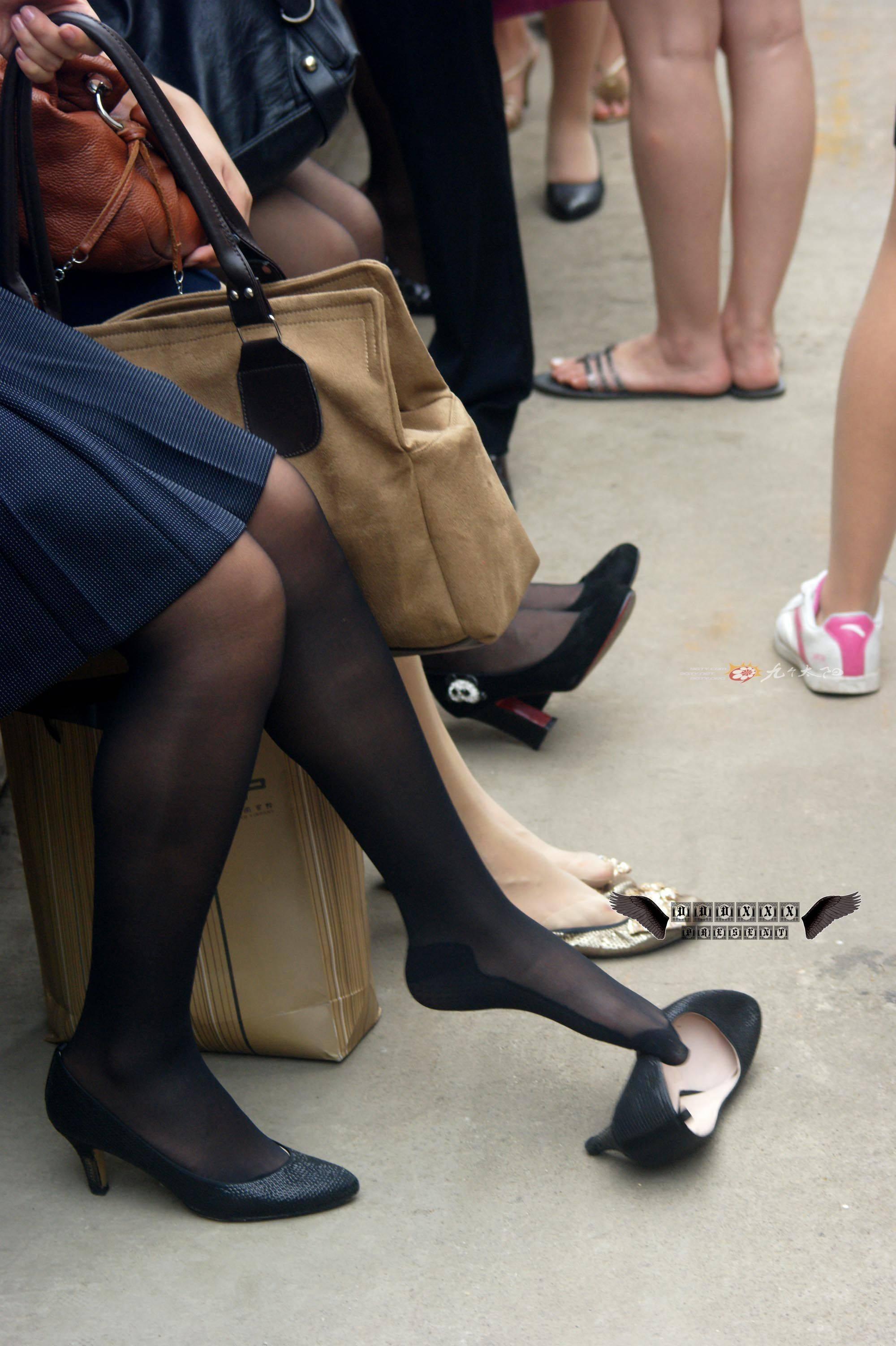 黑丝骚货做爱_黑丝高跟鞋就在哪翘你个学校的,女老师吧,操,绝对是个骚货,如果你真的