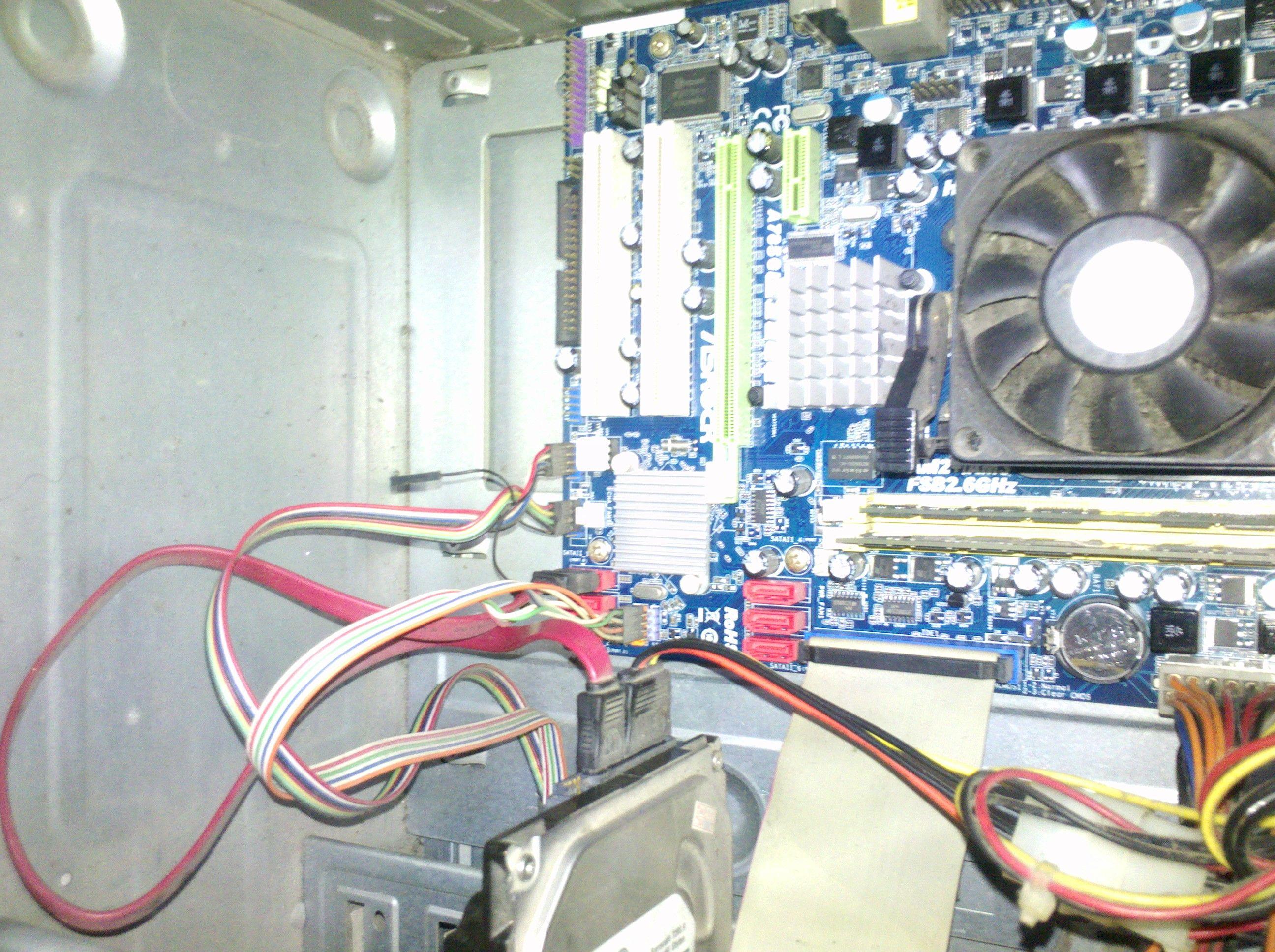 電腦主機里的2根標有gnd字樣的黑色小線要不要接入主板上的圖片