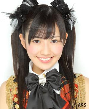 akb48核心_AKB48《马尾与发圈》MV里这个姑娘叫什么名字?好漂亮啊!_百度知道