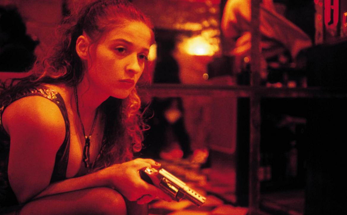 看看黄色的电影_如何评价色情电影《肏我》?