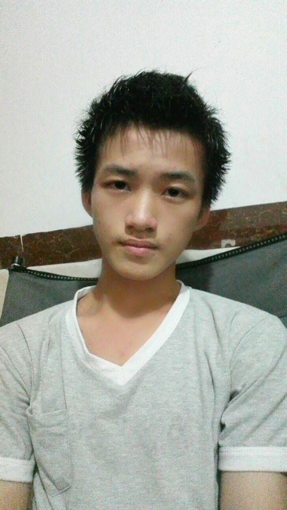 13~14岁男生真人照片_2013最帅的14岁男生图片展示_2013最帅的14岁男生相关图片下载