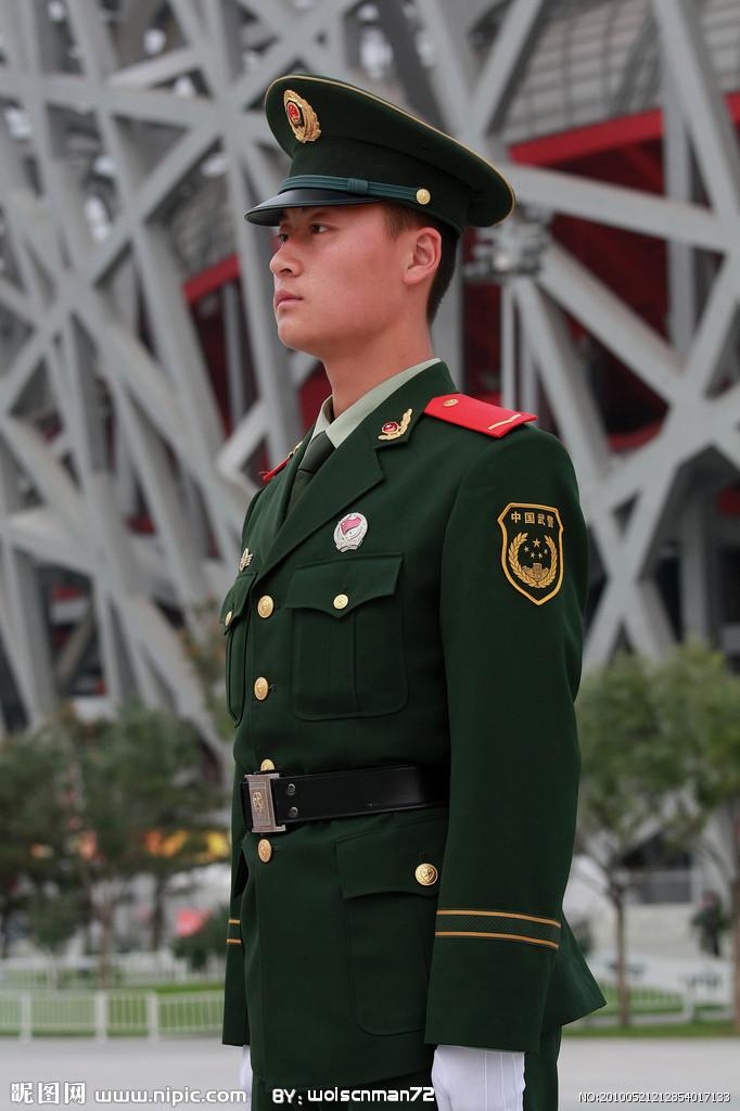 07武警春秋常服图片_军装上的徽章怎么称呼_百度知道