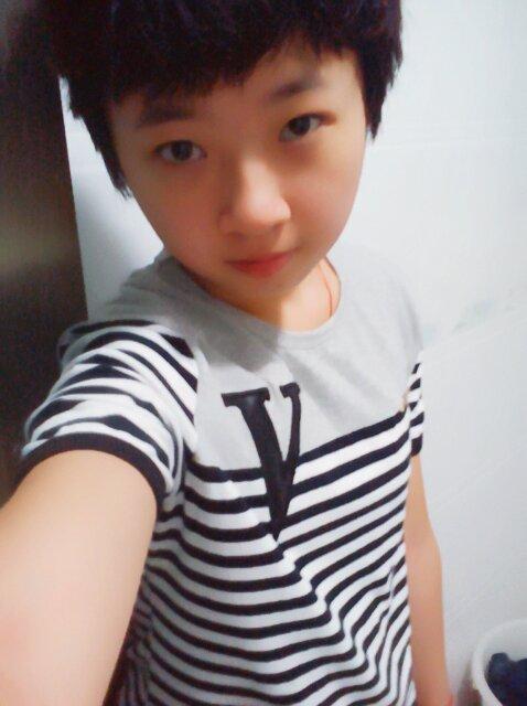 13~14岁男生真人照片_15岁帅气男孩图片图片展示_15岁帅气男孩图片相关图片下载
