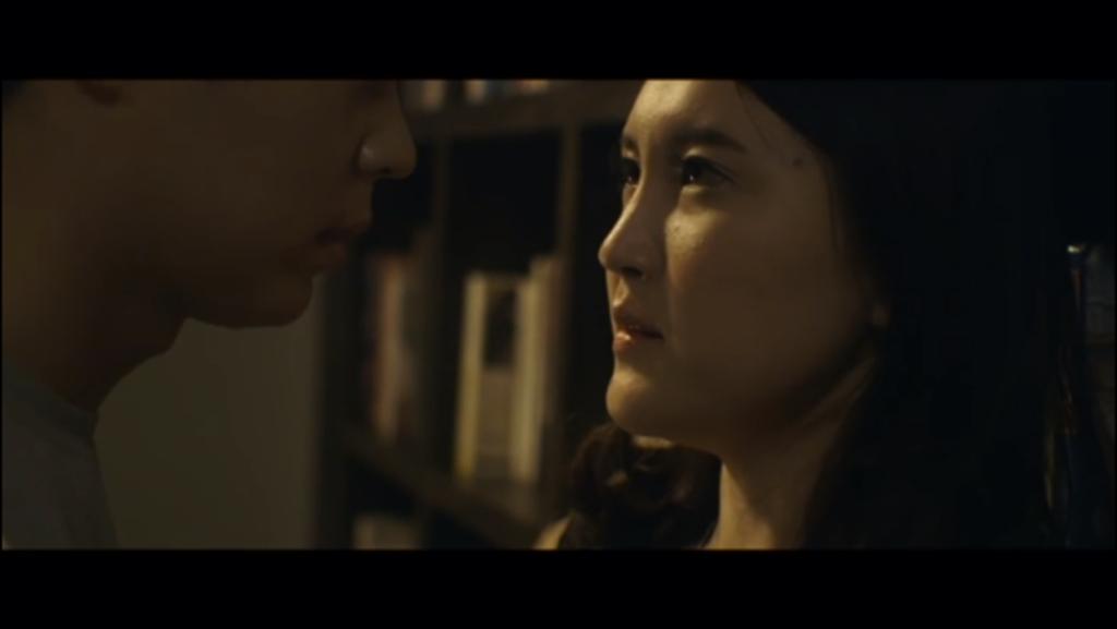 妈妈和儿子做爱影视_一部韩国的电影,儿子和母亲上了床,最后被父亲发现,父亲变成了痴呆坐
