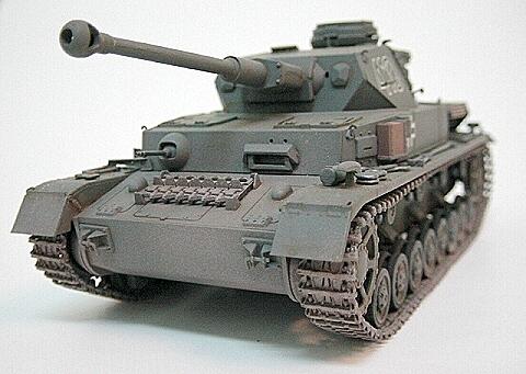 德国4号坦克_二战日本的四式战车和德国的四号坦克哪个更厉害?_百度知道