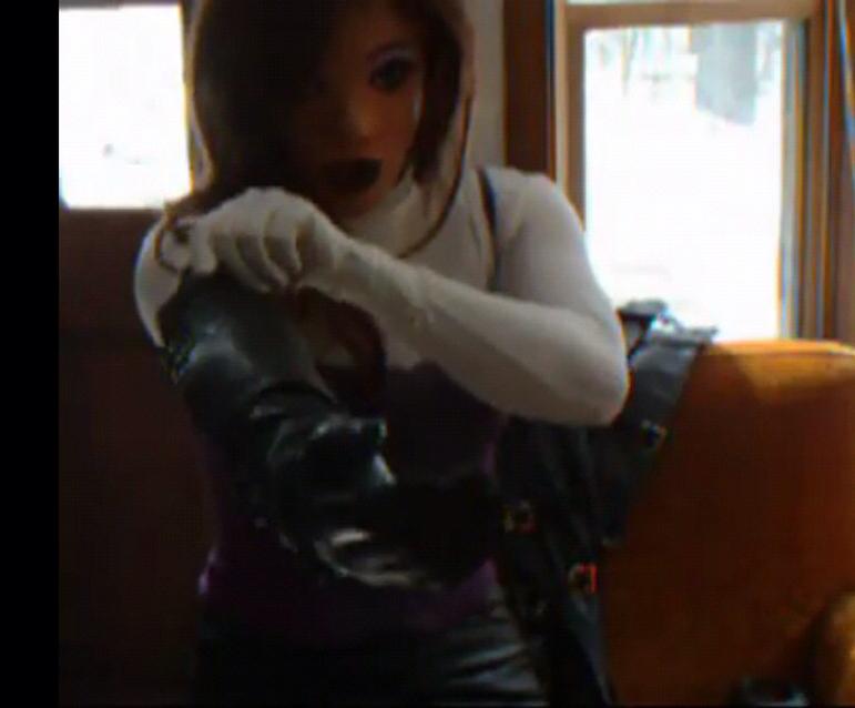 动漫女生为什么喜欢穿长手套_为什么我喜欢戴长到手肘的手套,还用长袖遮住穿出去,我是 ...