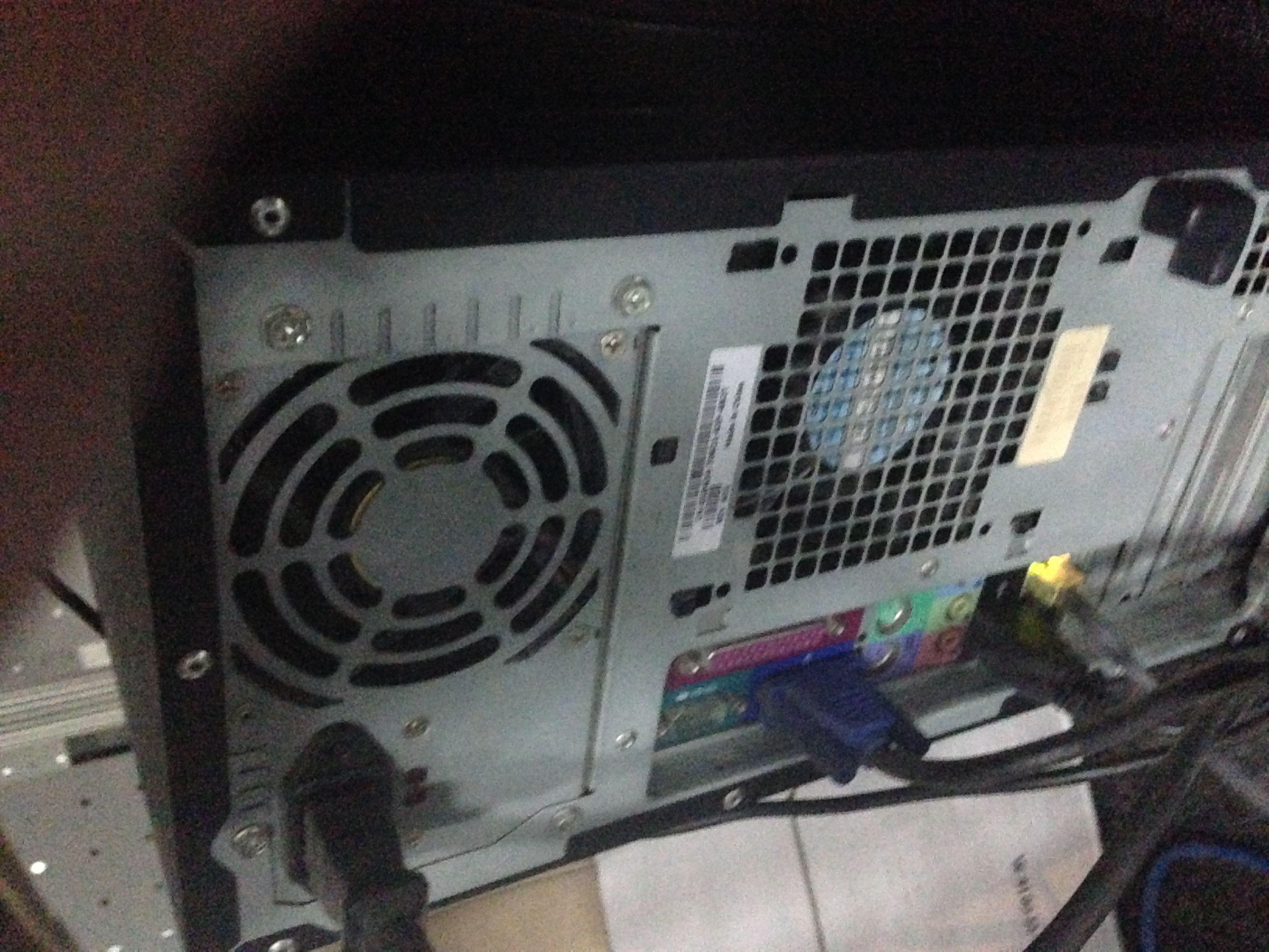 戴尔电脑主机怎么拆_戴尔台式电脑主机箱如何拆开_百度知道