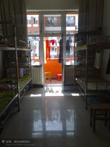 齐鲁工业大学六人间宿舍_内蒙古科技大学包头医学院新校区的宿舍六人间是立体式的图片