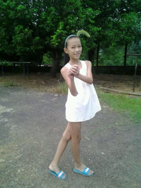 14岁少女丝袜被我操_我14岁女生,不穿内裤,喜欢穿丝袜和超短裙,用卫生纸当