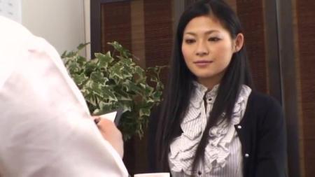 人妻门_谁认识这个女优 银座人妻専门マッサージ治疗院5第一个出场的