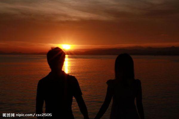 夕阳头像_求一个海边男生背影静态头像_百度知道