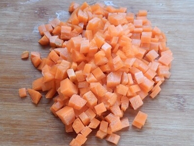 胡萝卜怎么切成丁_怎样切胡萝卜丁_百度知道