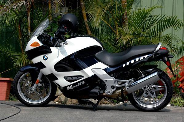 世界摩托车跑车品牌_摩托车跑车,能载人么.我想载我女朋友出去兜风,能行么,怎么 ...
