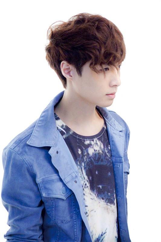 exo-m张艺兴lay微博_EXOM里lay(张艺兴)的人高吗?求详细能发几张帅的照片吗