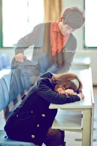 女生帮男生噜管的照片_求图片【女孩趴在桌子上睡着了男孩的灵魂给她披衣服】我急需 ...