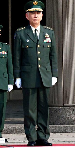 日本军衔_日本现在的少将军装什么样子?_百度知道