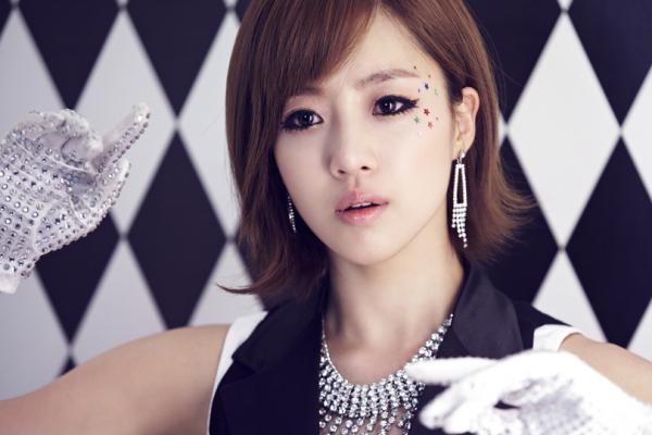 李居丽黑吗_谁能给我T-ara分别全宝蓝、李居丽、朴孝敏、含恩静、朴素妍、朴