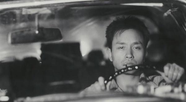 张国荣抽烟照_求张国荣开车抽烟的照片,车内只有他一个人,镜头在正前方 ...