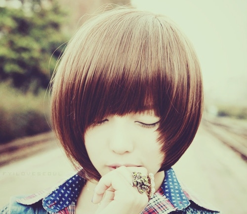 现在学生流行的发型_今年女生最流行的短发是什么发型?_百度知道