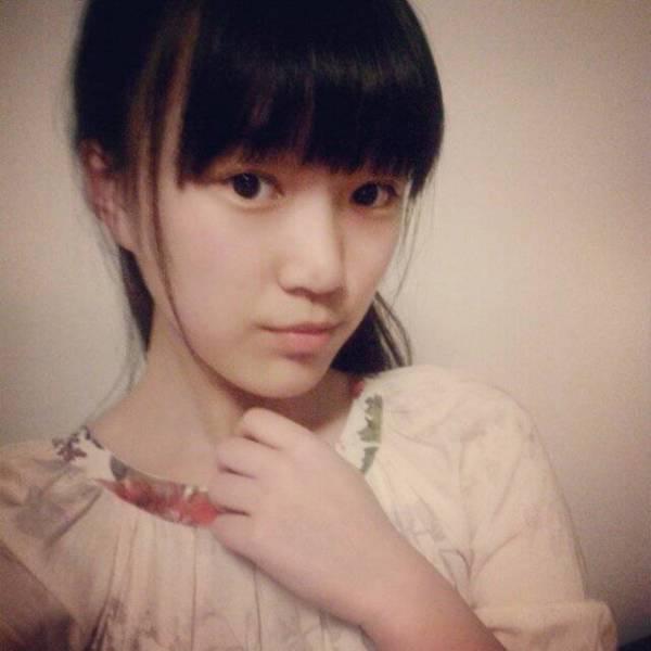 女生一个人多张照片_17岁很普通的女生照片,普通,像平常可以看到普通女生照片 ...