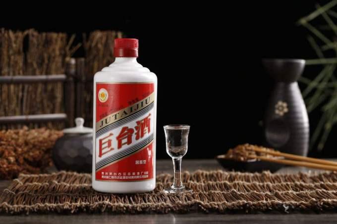 中国好酒排行榜_头也不会痛,更容易入口,口感挺好,茅台酒的质量也挺高,受众在中国白酒