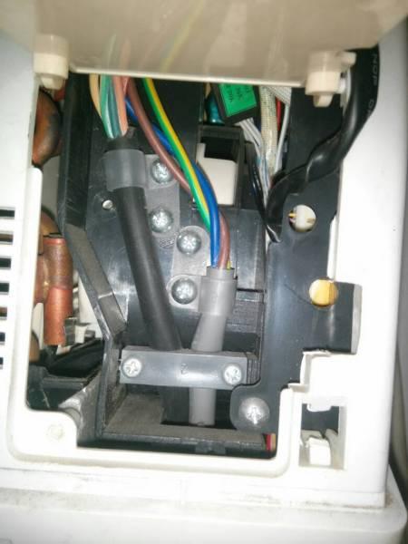 新科空调故障代码e5_请问新科空调开机十五分钟就自动停了,上面显示e3